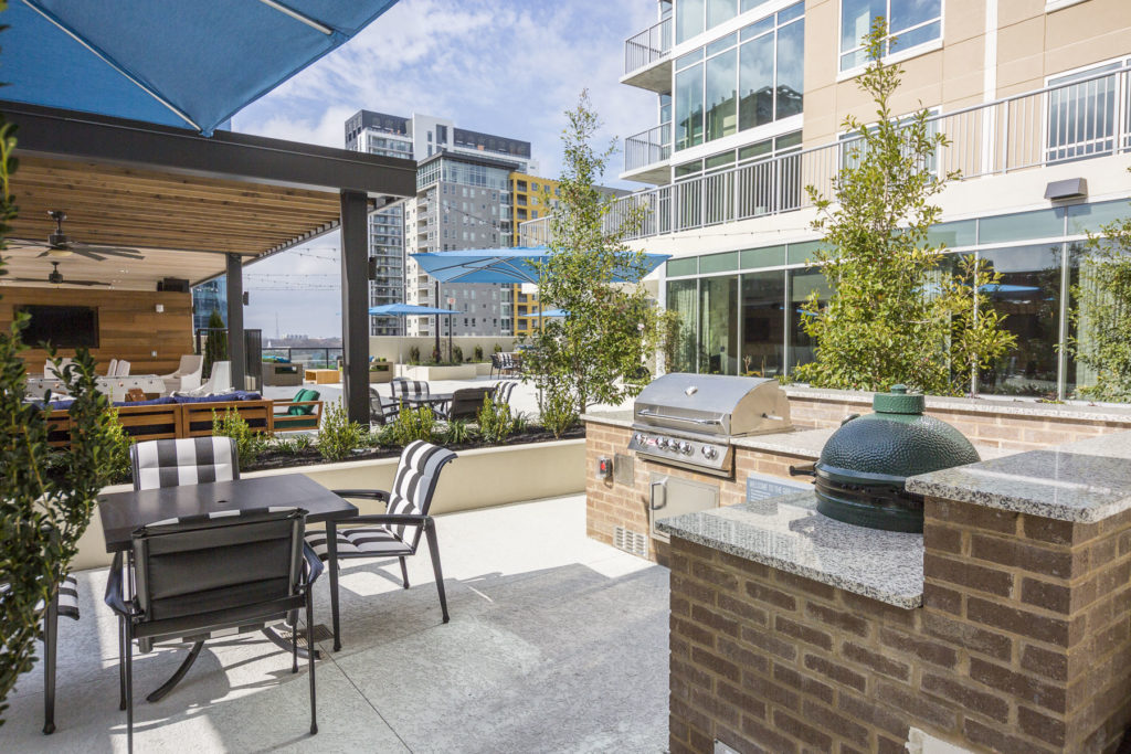 Sprawling rooftop deck at Alexan on 8th - Your Weekends Deserve a Comeback